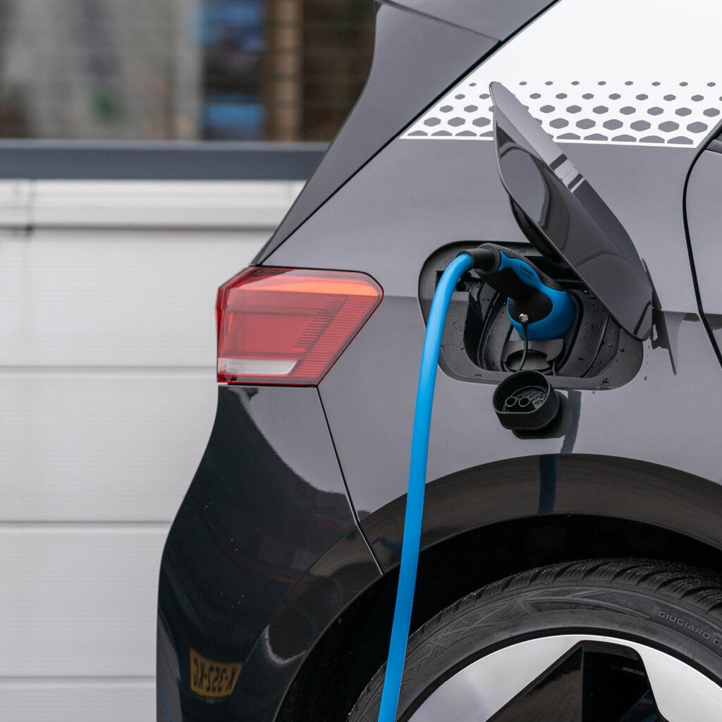 elektrische auto opladen laadpaal zuidlease